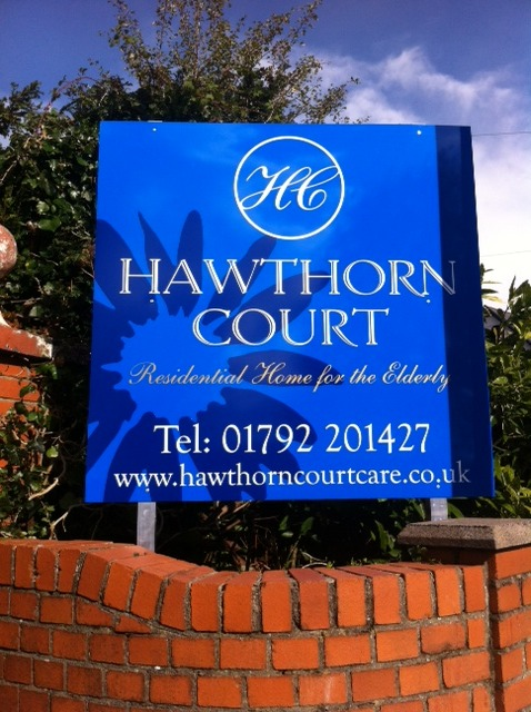 Hawthorn Court Sign